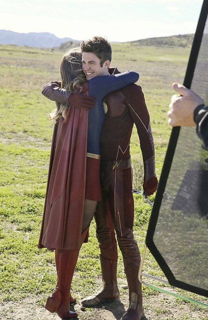 Supergirl and Flash behind the scenes | The Flash (2014 - Pr