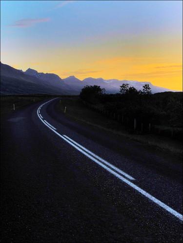 road sunset mountains iceland strada tramonto islanda breiðdalsvík mantagne heydalir