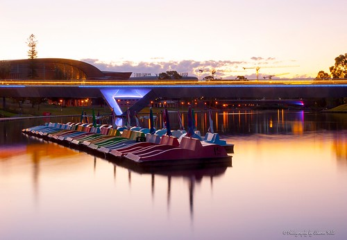 city longexposure bridge sunset tourism water night boats foot lights boat dusk south australian paddle australia adelaide southaustralia oval waterscape torrensriver