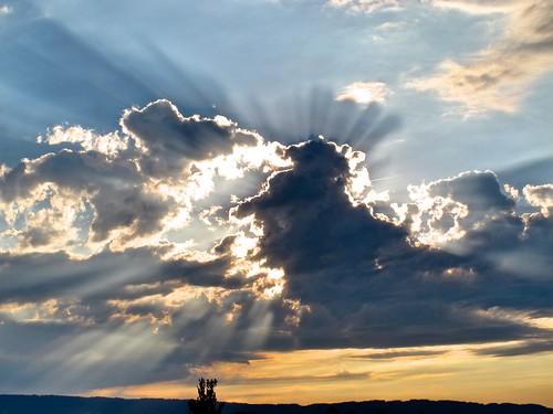 sunset sky clouds canon skyscape schweiz zurich august sunrays rayoflight g12 schwitzerland zürich canonpowershotg12