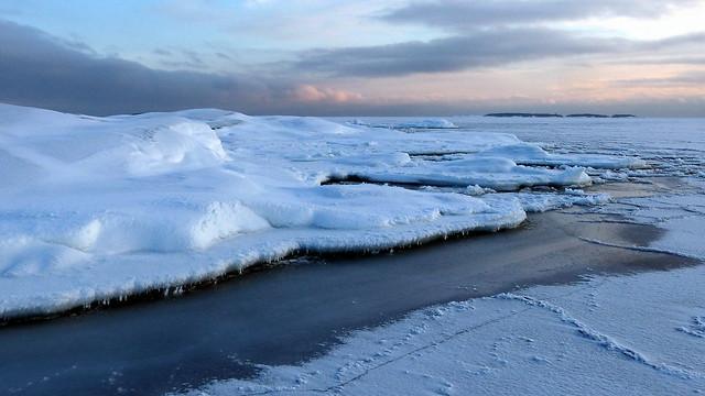 A cold winter day view from Välikarit islet (Helsinki eastern archipelago, 20160117)