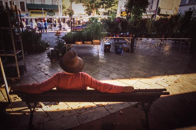 ◄ Homme au Chapeau ►