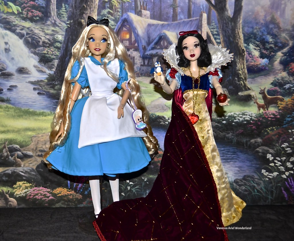 Alice Repaint doll Disney Store meet Snow White Le Doll