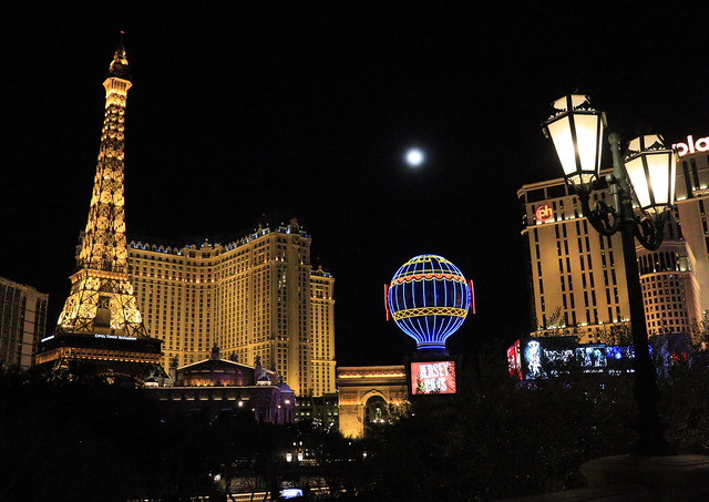 Moon Over Paris (Las Vegas)