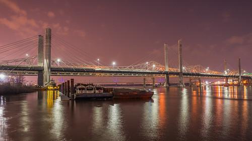 louisville kentucky unitedstates us water night lights reflection river bridge waterfrontpark