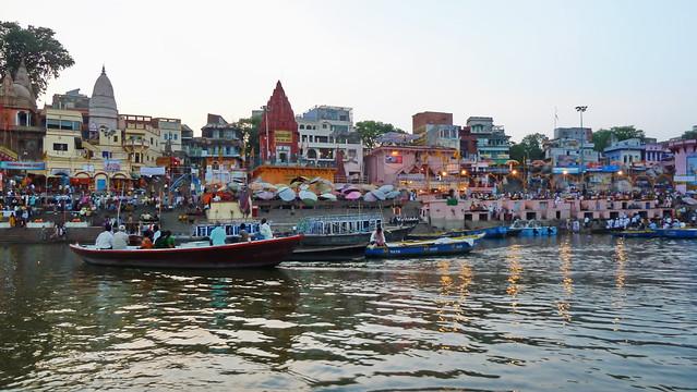 India - Uttar Pradesh - Varanasi - Riverside - Ghats - 839