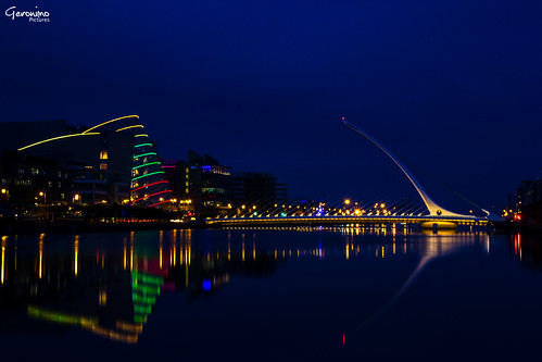 pictures city longexposure nightphotography bridge blue ireland light vacation dublin color colour reflection building water beautiful architecture modern night canon reflections river dark geotagged fun photography eos evening licht photo focus europa europe flickr foto fotografie view darkness image photos nacht pics famous sightseeing perspective picture sigma pic architektur bluehour harp bild fluss bilder exciting beginner lightroom geschichte geronimo anfänger longtimeexposure samuelbeckett nightimage lightreflections sigma1770 canon60d flickrfotografen lightporn canoneos60d samuelbeckettbridge eos60d geronimopics longtimephotography geronimopictures
