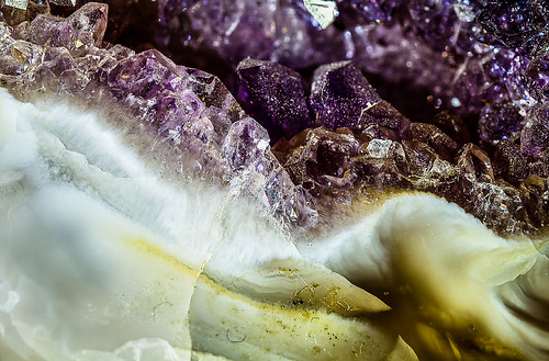 Agate Geode With Amethyst 10 Photo's Focus Stack