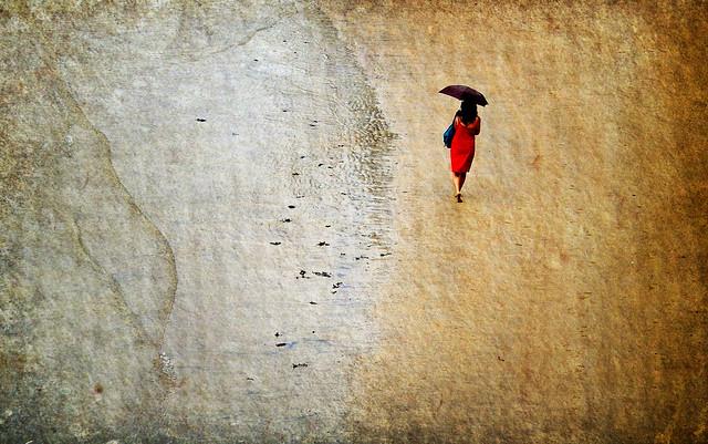 La mujer de rojo-Editada de nuevo