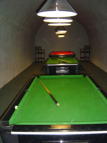Kings Bastion = Pool Room 1