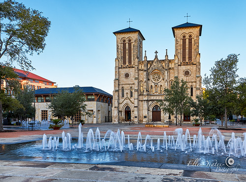 morning building tree church water fountain architecture sanantonio sunrise catholic texas unitedstates architecturaldetail mission quite sanfernando oldbuilding timeofday ellenyeates ellenyeatesphotography missionsanfernandocathedral emptypeople