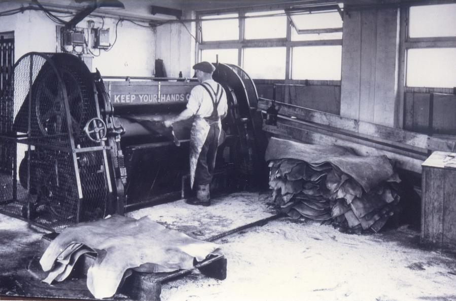 Inside Hodgsons Tannery, Beverley 1950s (archive ref DDPD-2-2-6)