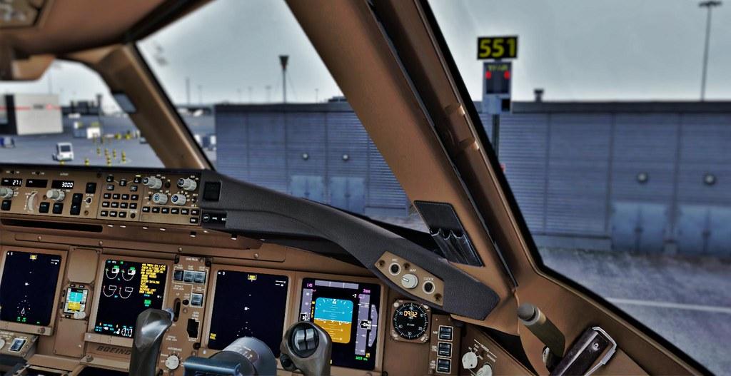 British Airways Boeing 777-300ER G-STBD Cockpit | At London