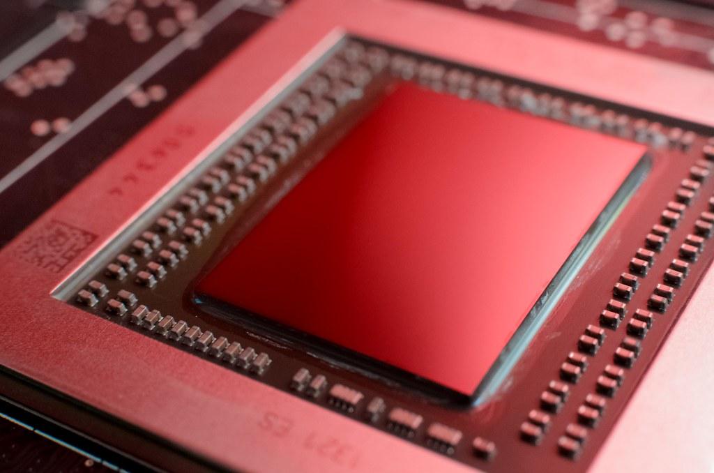 AMD Radeon R9 290 Die Shot | I took this shot a couple weeks