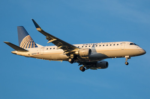 N107SY United Express Embraer ERJ-175 | by Tim Crippin