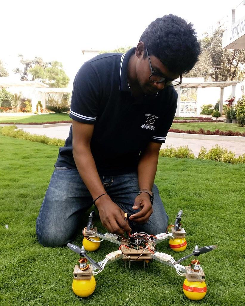Quadcopter! 🎮#quadcopter #workshop #drone #quad #rotor #e