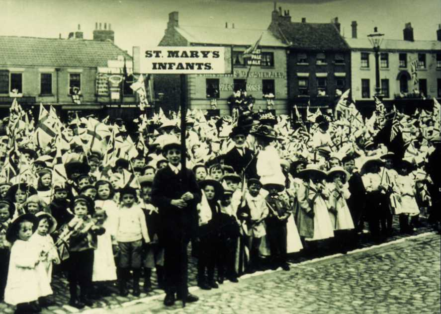 St Marys Infants School children in Saturday Market, Beverley for Queen Victoria's Diamond Jubilee 1899 (archive ref DDPD-2-2-8)