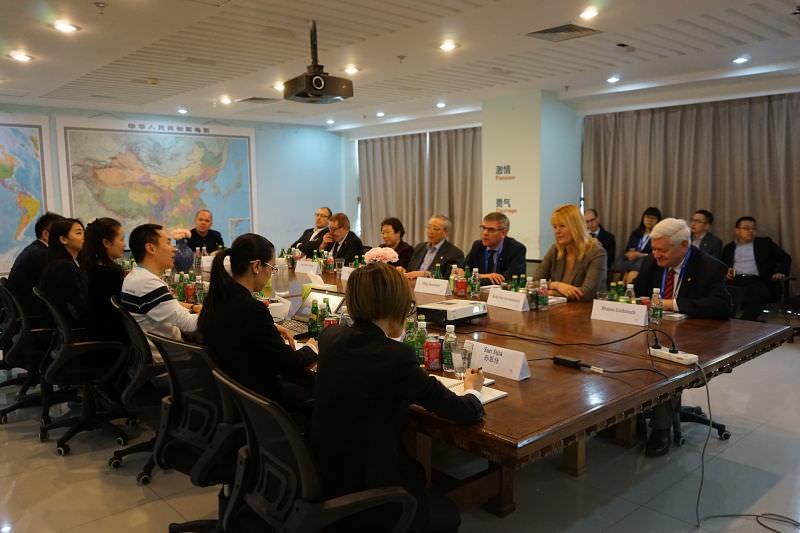 Bruno Gollnisch en Chine - Meeting with company in Beijing