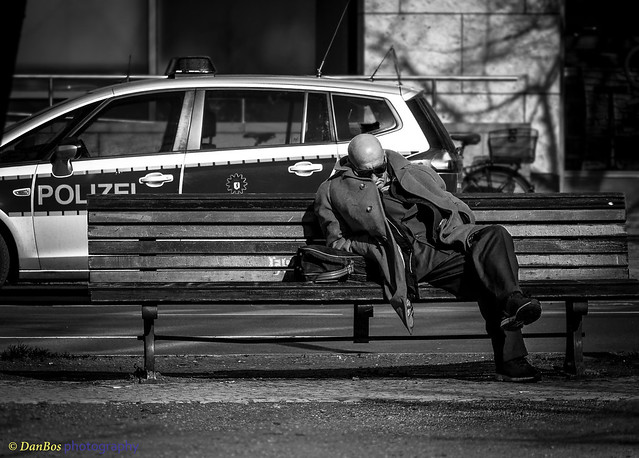 Against the frenzy of modern life - Take a small rest
