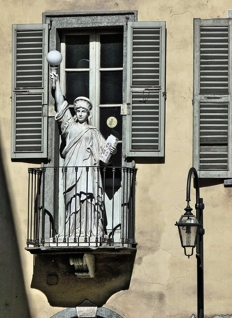 Statue of Liberta - On a Balcony