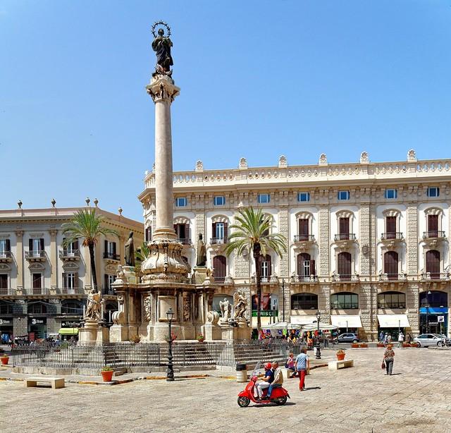 Palermo / Piazza San Domenico / Colonna dell'Immacolata