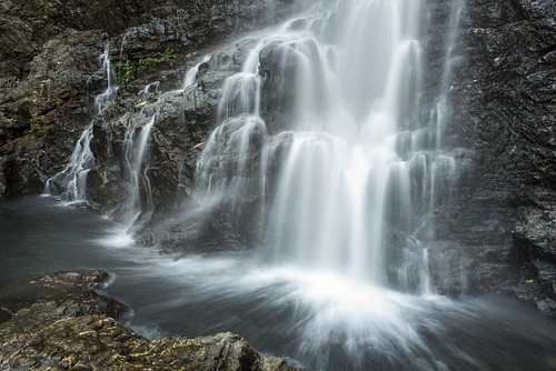cliff water creek river flow waterfall nationalpark rocks tripod newengland australia nsw newsouthwales splash dorrigo dorrigonationalpark sigma35mmf14 redcedarfalls nikond750