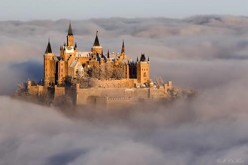 schnee winter mist snow castle clouds sunrise canon germany deutschland nebel wolken sonnenaufgang burg seaofclouds schwäbischealb hechingen hohenzollern wolkenmeer bisingen 70300l zellerhorn 7dmkii 7dii ef70300l zellerhornwiese albstatdt 855münn