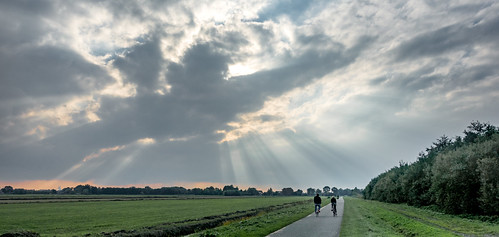 sun grass clouds landscape rays beams bikers middendelfland drawingsun