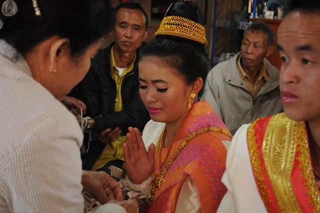 Lao wedding baci