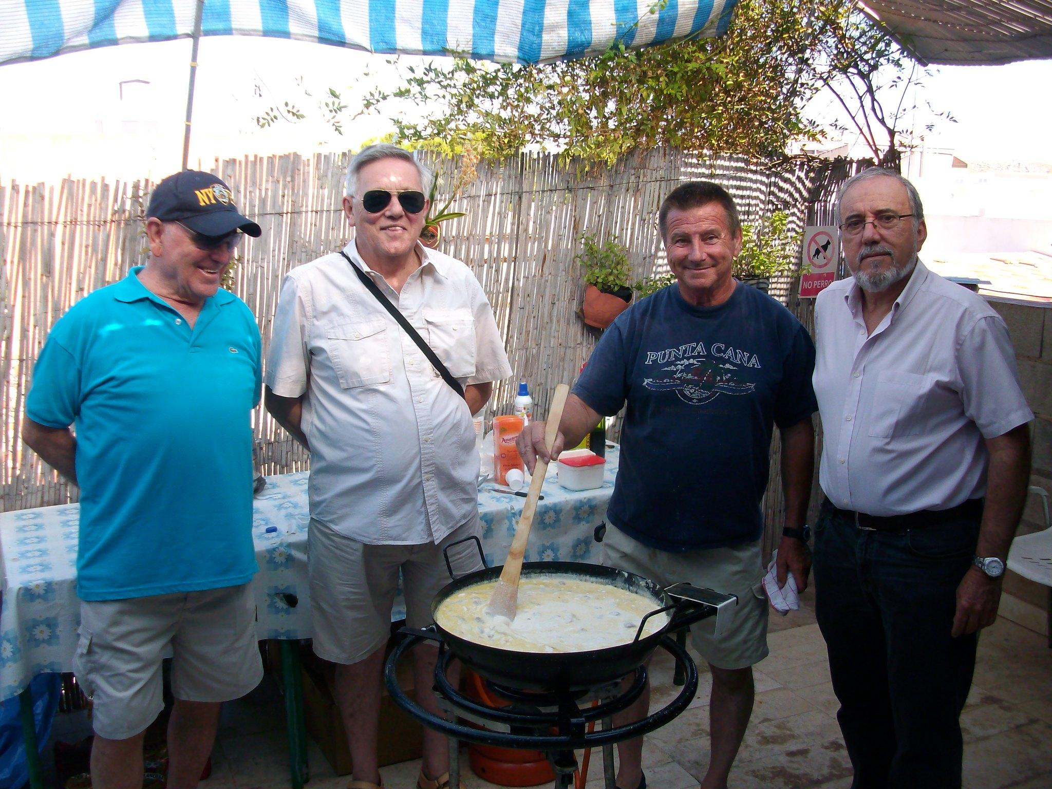 (2013-07-07) - Almuerzo calle del Cristo - José Vicente Romero Ripoll (01)