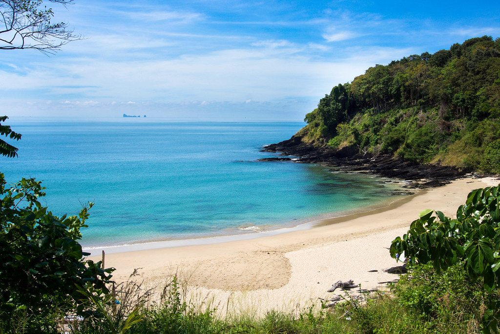 Nui Beach, Koh Lanta   And Phi Phi island way off in the dis…   kzoop   Flickr