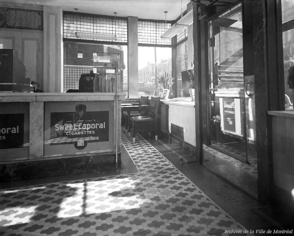 Interieur D Un Bar vente de drogue à l'intérieur d'un bar, situé aux environs
