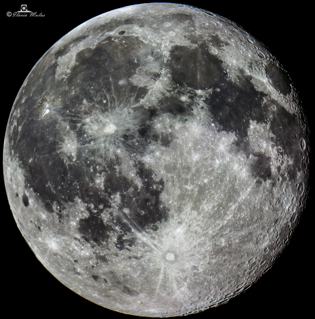 FULL MOON HIGH RESOLUTION, you have to zoom to belive!!   Flickr