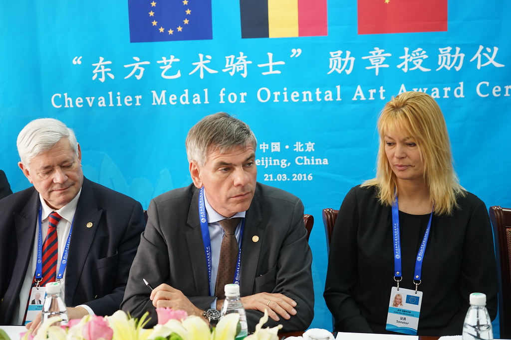 Bruno Gollnisch en Chine - Mr Gollnisch Award Ceremony