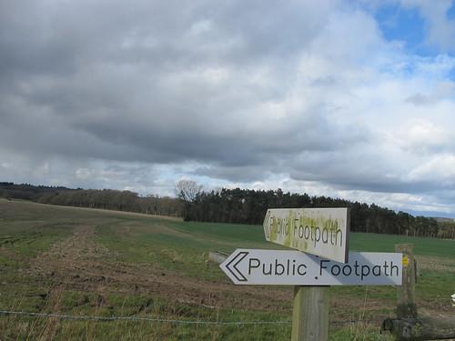 Footpath Signposts, Dunbridge Hill SWC Walk 58 Mottisfont and Dunbridge to Romsey taken by Karen C.