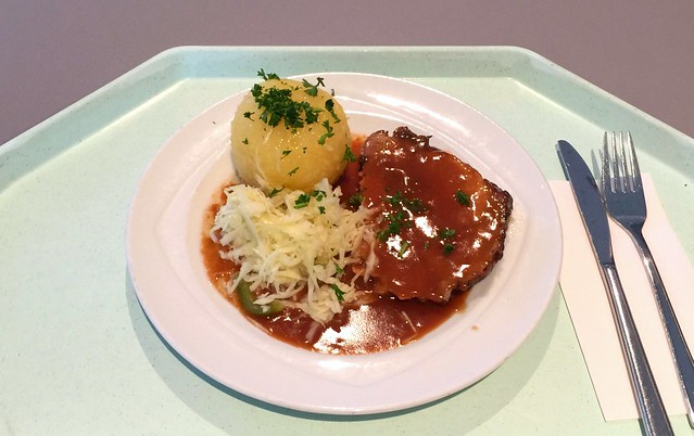 Pork roast with dark beer sauce, potato dumpling & cole slaw / Schweinebraten mit Dunkelbiersauce, Kartoffelknödel & Krautsalat