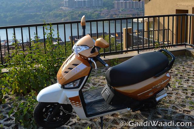 Mahindra Gusto 125 Test Drive review-23