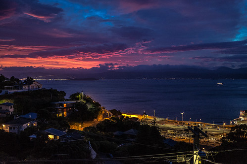 wellington sunrise clouds newzealand harbour harbor ferry dawn