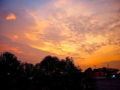 city trees sunset sky urban sun clouds indonesia asia fx9 panasonic jakarta southeast dmc selatan dmcfx9