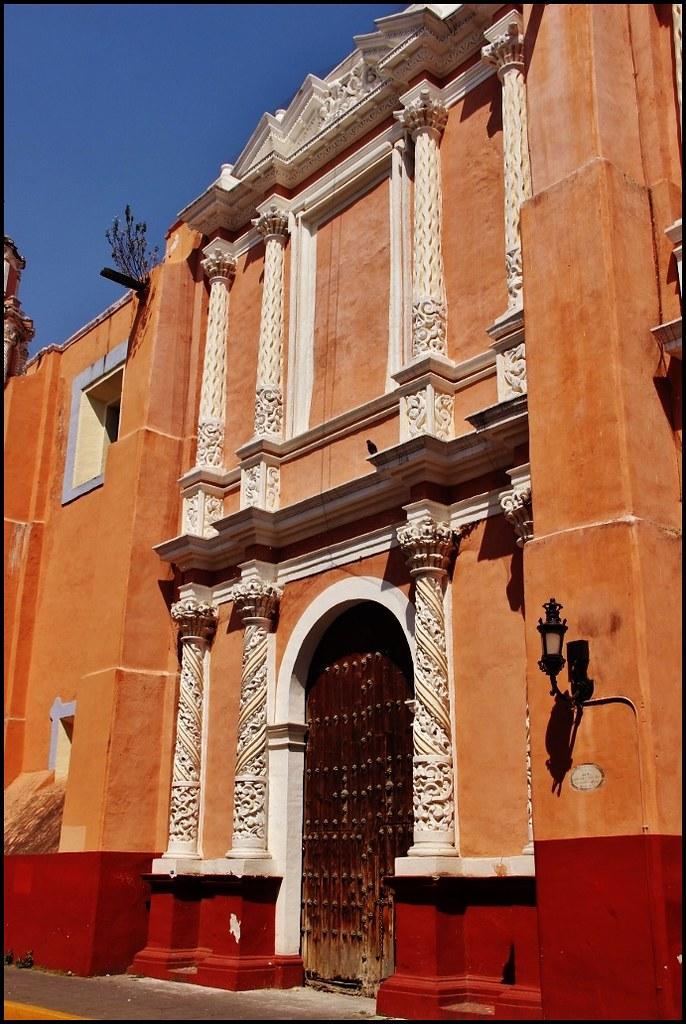 Fachada de la Parroquia de Santa Clara de Asís