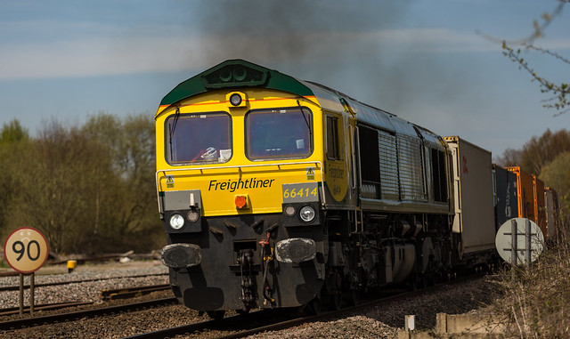 Freightliner 66414 at Clay Cross on 21-04-2016 with the Leeds to Southampton Intermodal