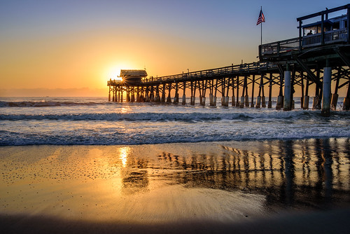 cocoabeach sunrise beach flag florida ocean pier surf waves chuckpalmer fav90 fav30 outdoor travel views