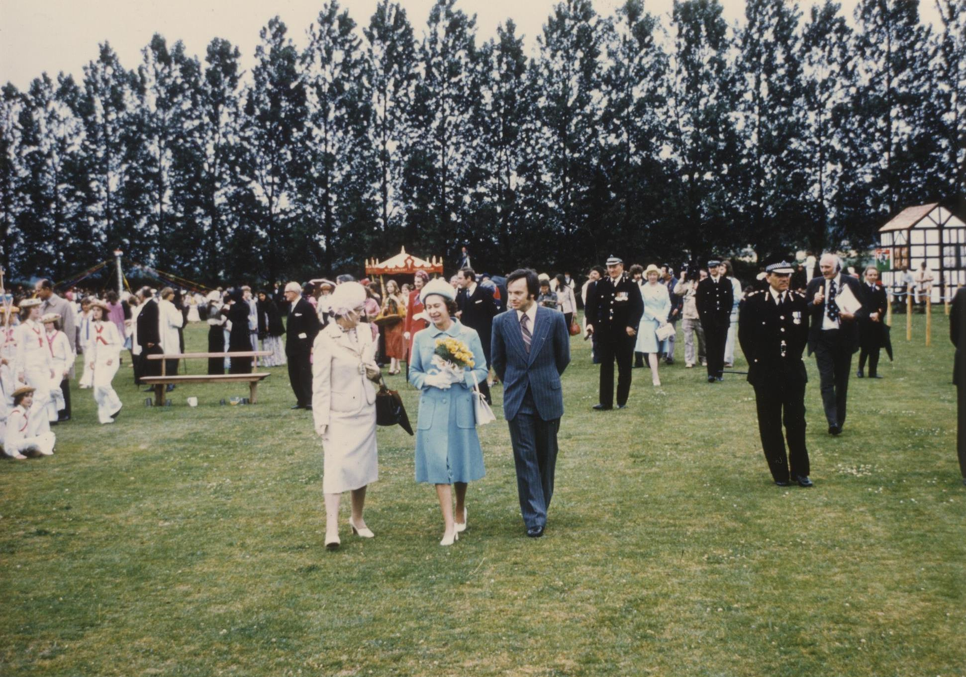 Her Majesty The Queen at Brigg Fair 12th July 1977 (archive ref CCHU-4-1-9-2)