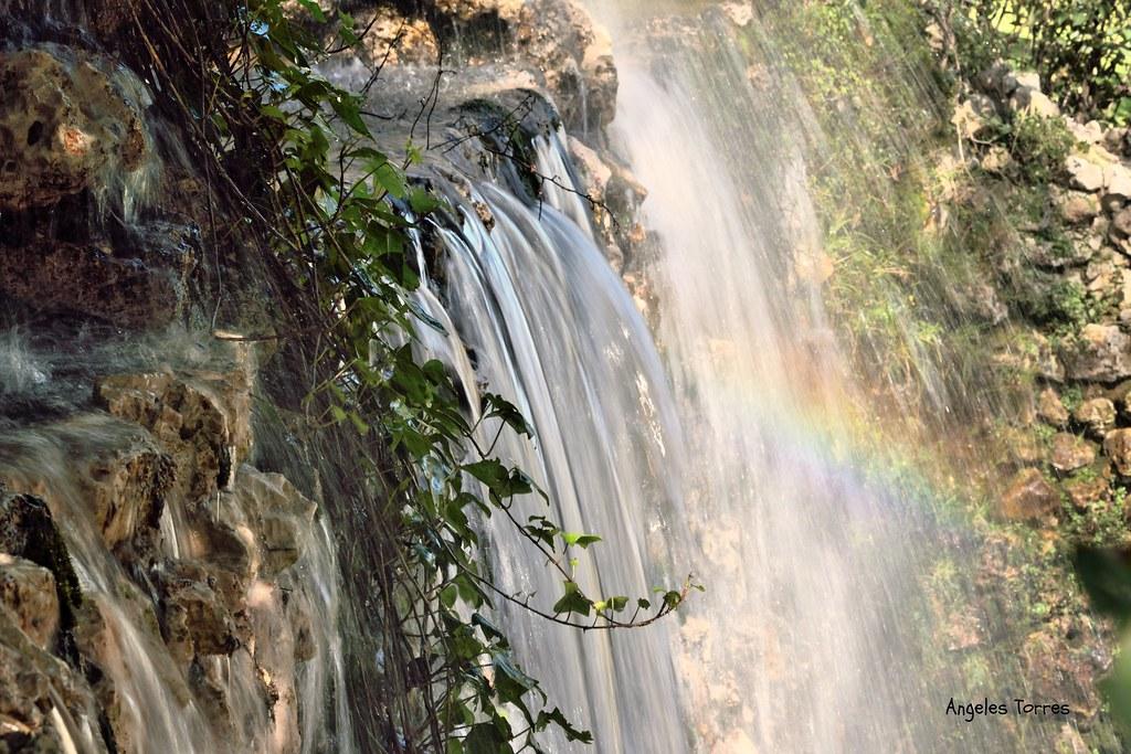 Belleza natural con arco iris ocasional