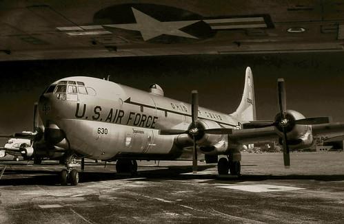 blackandwhite bw monochrome mono 2000 boeing usairforce airforcemuseum stratocruiser exusaf kc97l ohioairguard 522630 wrightpattersen