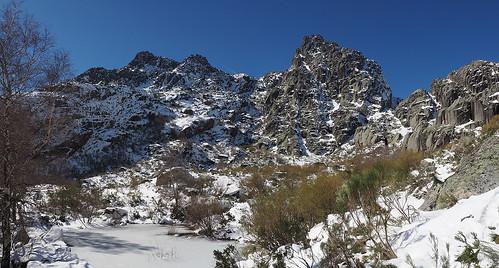snow portugal bleu neve neige serradaestrela rochers covãodametade cantâromagro