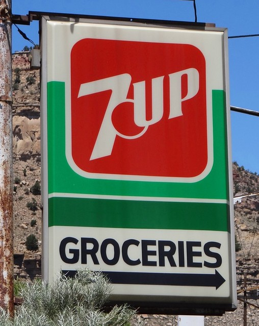 UT, Helper-U.S. 6(Old) Vintage 7 UP Sign