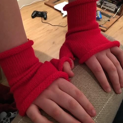 Miranda's Wristwarmers   by k1rsty