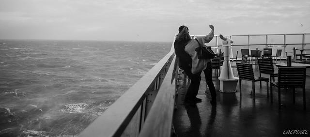 Selfie sur fond de mer