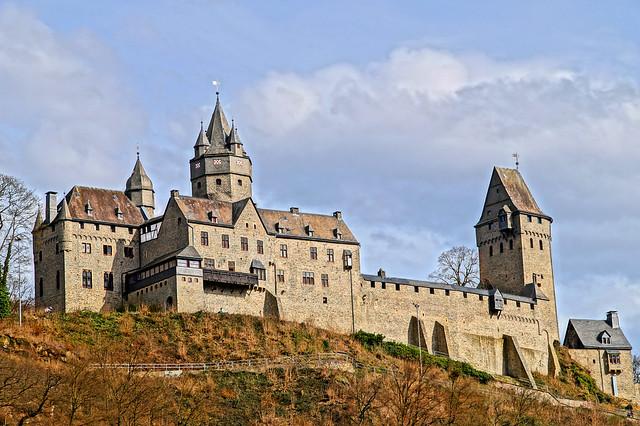 Burg Altena head building